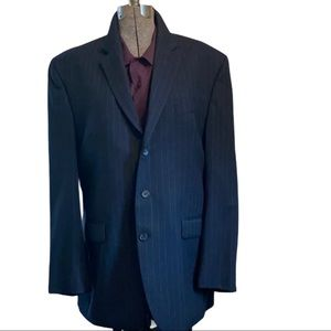 CHAPS  Men's Wool Pin striped Suit.